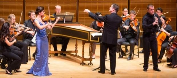 Michelle Ross, Maestro Harry Bicket, Ensemble Connect, 2012 Zankel Hall, Carnegie Hall. Photo: Chris Lee, courtesy of artist, used with permission.