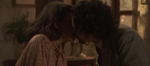 Anticipazioni Il Segreto, trame episodi gennaio 2017: Cesar bacia Emilia, Severo cerca di liberarsi di Severo