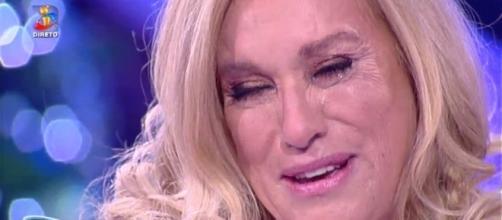 Teresa Guilherme não conteve as lágrimas na hora da despedida