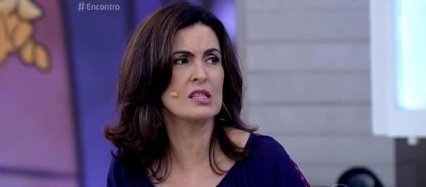 Ao vivo, Fátima Bernardes se confunde e troca nome de Deborah ... - com.br