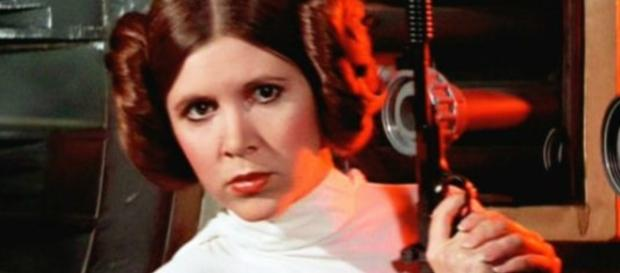 Carrie Fisher suffers 'massive heart attack' on plane: Reports - com.au