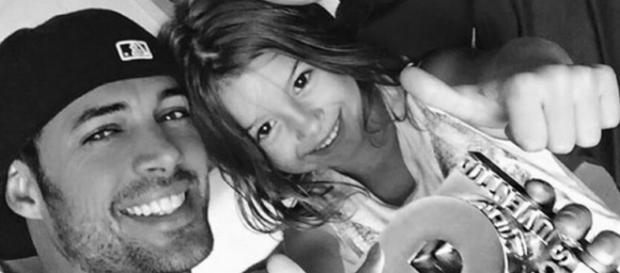 William Levy está sempre postando fotos dos filhos nas Redes Sociais.