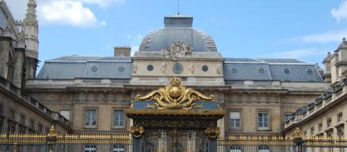 Palais de Justice de Paris - entrée - CC BY