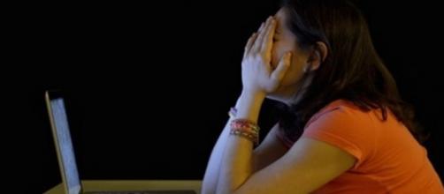 Voleva tentare il suicidio, ma è viva grazie al post su Facebook.