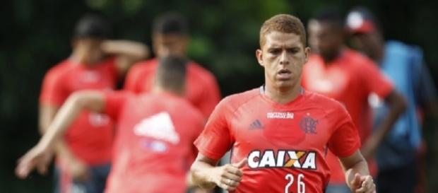 Cuéllar pode estar de saída do Flamengo (Foto: Gilvan de Souza/CRF)