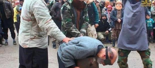 Idoso é decapitado no meio da rua - Foto/R7