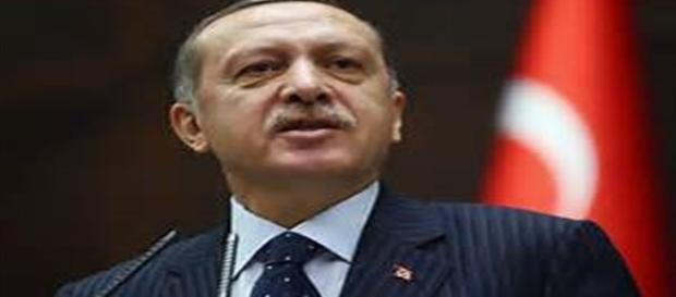 Il Presidente turco Erdogan durante una conferenza stampa.