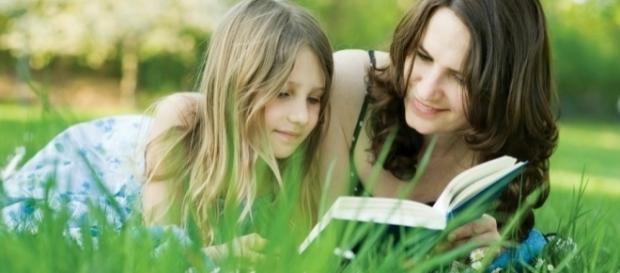 INTELIGENȚA copiilor poate fi INFLUENȚATĂ de MAMĂ. Ai nevoie doar de jumătate de oră pe zi