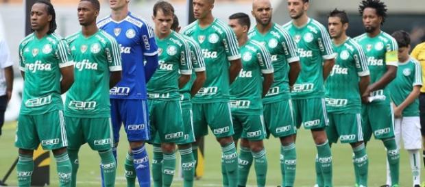Jogadores do Palmeiras perfilados