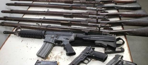 Segundo as regras anteriores, as armas eram destruídas pelo Exército