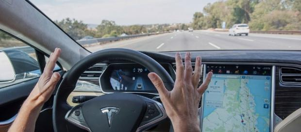 Tesla Autopilot 8.0 uses radar to prevent accidents like the fatal ... - techcrunch.com