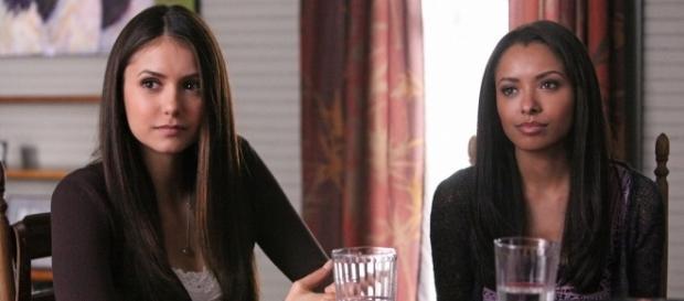 The Vampire Diaries: Elena (Nina Dobrev) e Bonnie (Kat Graham) (Foto: CW/Screencap)