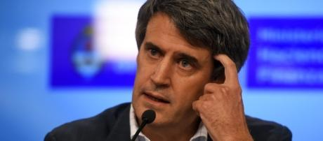 El ex ministro de hacienda y finanzas y hizo fuertes declaraciones respecto a sus ex compañeros de gestion