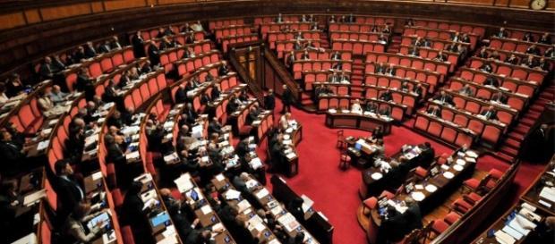 Abolizione vitalizi, la nuova proposta del PD che prevede anche la buonuscita