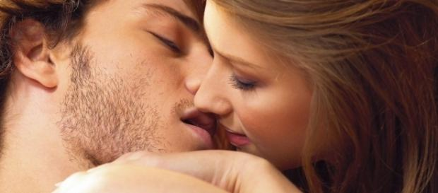 Beijar é uma arte, aperfeiçoe a sua (reprodução: web)
