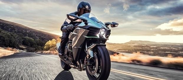 Prazo de entrega da Kawasaki Ninja H2 chega a seis meses após o pedido