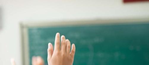 Cesenatico, maestra offende bimbo malato in classe