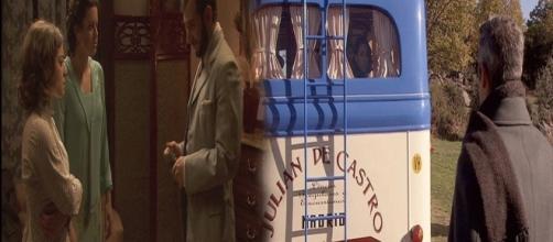 Il Segreto, trama puntata 1255: Emilia prende il bus per Malga, Candela e Sol prostitute