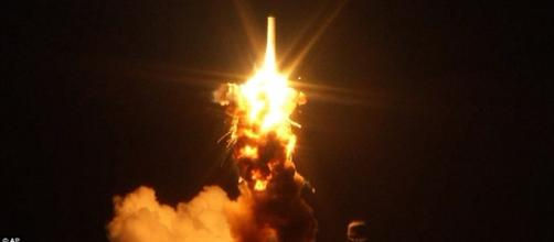 New videos show $200m Antares rocket exploding in front of ... - dailymail.co.uk