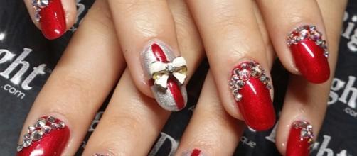 Decorazioni Natalizie Unghie.Gel Unghie Rosso I Consigli Per Le Feste Di Natale