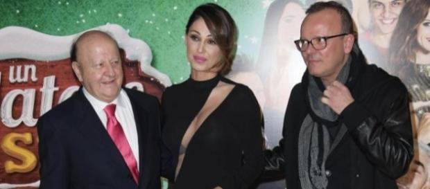 Anna Tatangelo con Massimo Boldi e Gigi D'Alessio