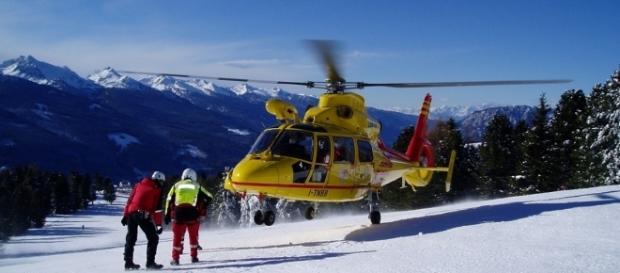 Difficile il lavoro dei soccorritori per la difficili condizioni meteo e la zona difficile da raggiungere