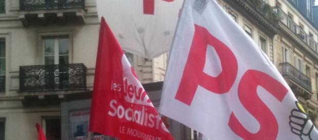 Parti Socialiste de France - drapeaux - CC BY