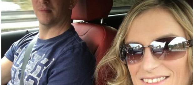 Policial Daniel Moss com a esposa Tracey