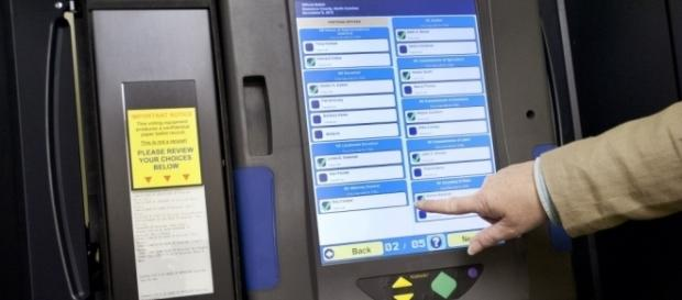 SHOCK: Voter's Cell Cam Captures Rigged Voting Machines ⋆ Freedom ... - freedomdaily.com