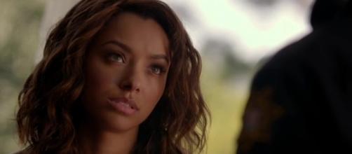 Bonnie Bennett pode se sacrificar por Elena