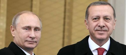 Putin mends ties with Turkey, lifts tourism ban - yahoo.com