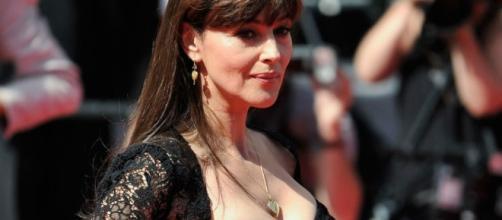Monica Bellucci: «Da single ho ritrovato me stessa» - cosmopolitan.it