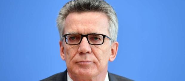 De Maizière fordert mehr Kompetenzen | Politik - hna.de