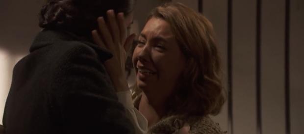 Il Segreto, Emilia incontra Maria e scoppia a piangere