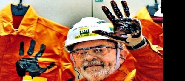 Lula na inauguração de uma plataforma da Petrobras.