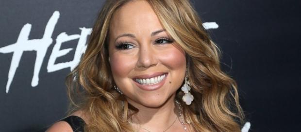 Mariah Carey tem problemas com playback em show na Times Square
