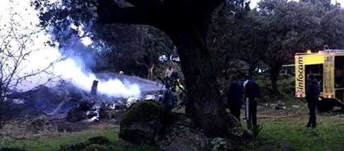 Aeronave despenhou-se numa zona de arboredo incendiando-se de seguida
