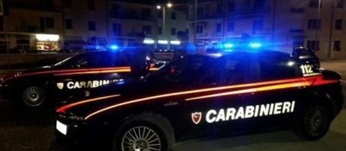 I Carabinieri arrestano un uomo ceh ha sparato la moglie