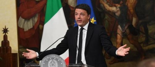 Il momento delle dimissioni di Matteo Renzi.