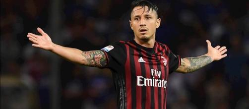 Milan Crotone 2 - 1, la risolve Gianluca Lapadula, il Milan continua a sognare in classifica
