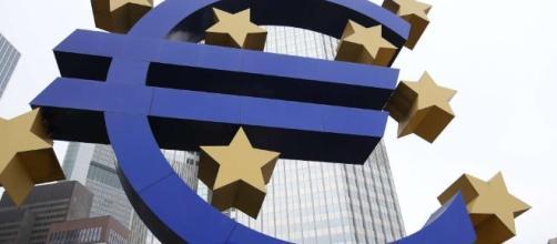 """""""Nessuna crisi per la moneta unica, l'euro si salverà"""""""