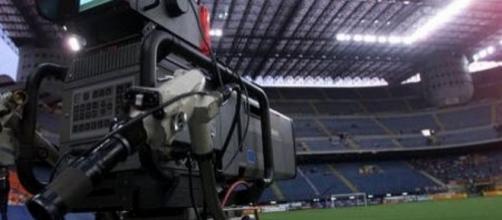 Diritti Tv calcio, è guerra: cambiamento epocale in vista?