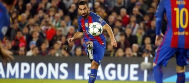 Arda Turan brilhou e fez hat-trick para o Barcelona