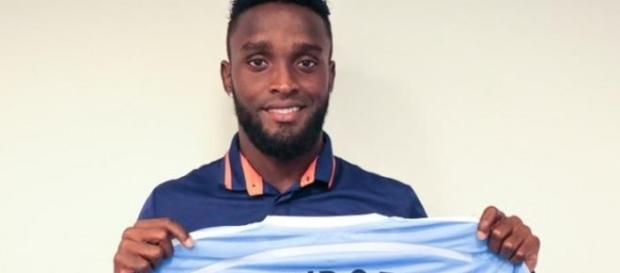 Jogador tem contrato com o alvinegro até 2018