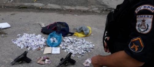 Material apreendido pela polícia (Foto:Divulgação/PMERJ)