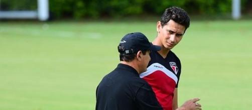 Muricy Ramalho passa instruções para Paulo Henrique Ganso
