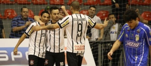 Corinthians deverá perder os principais jogadores na próxima temporada