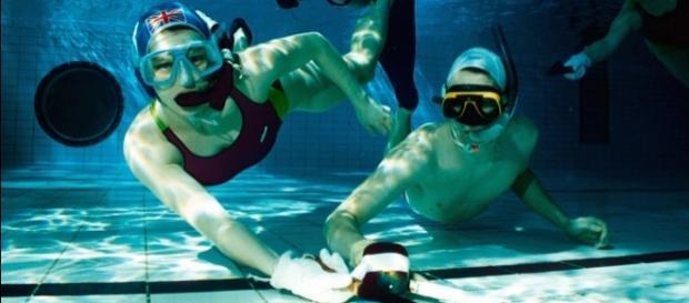 'Octopush', o Hockey subacuático, fue creado en Inglaterra a principios de los '50