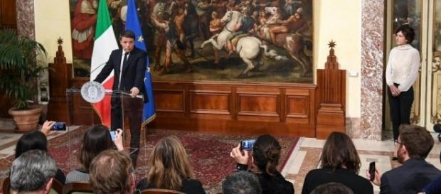 Premierul Renzi a anunțat că demisionează