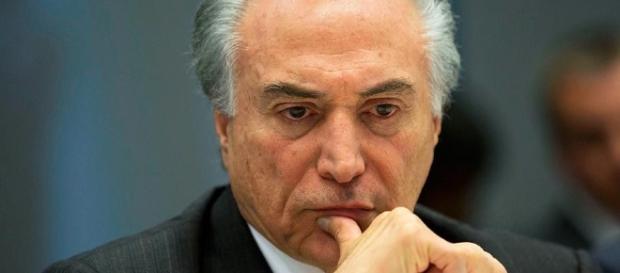 Presidente Temer decide se distanciar de Renan Calheiros no Senado Federal